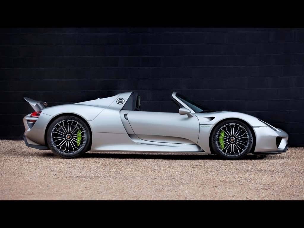 porsche 918 spyder delivery graham rahal takes delivery. Black Bedroom Furniture Sets. Home Design Ideas