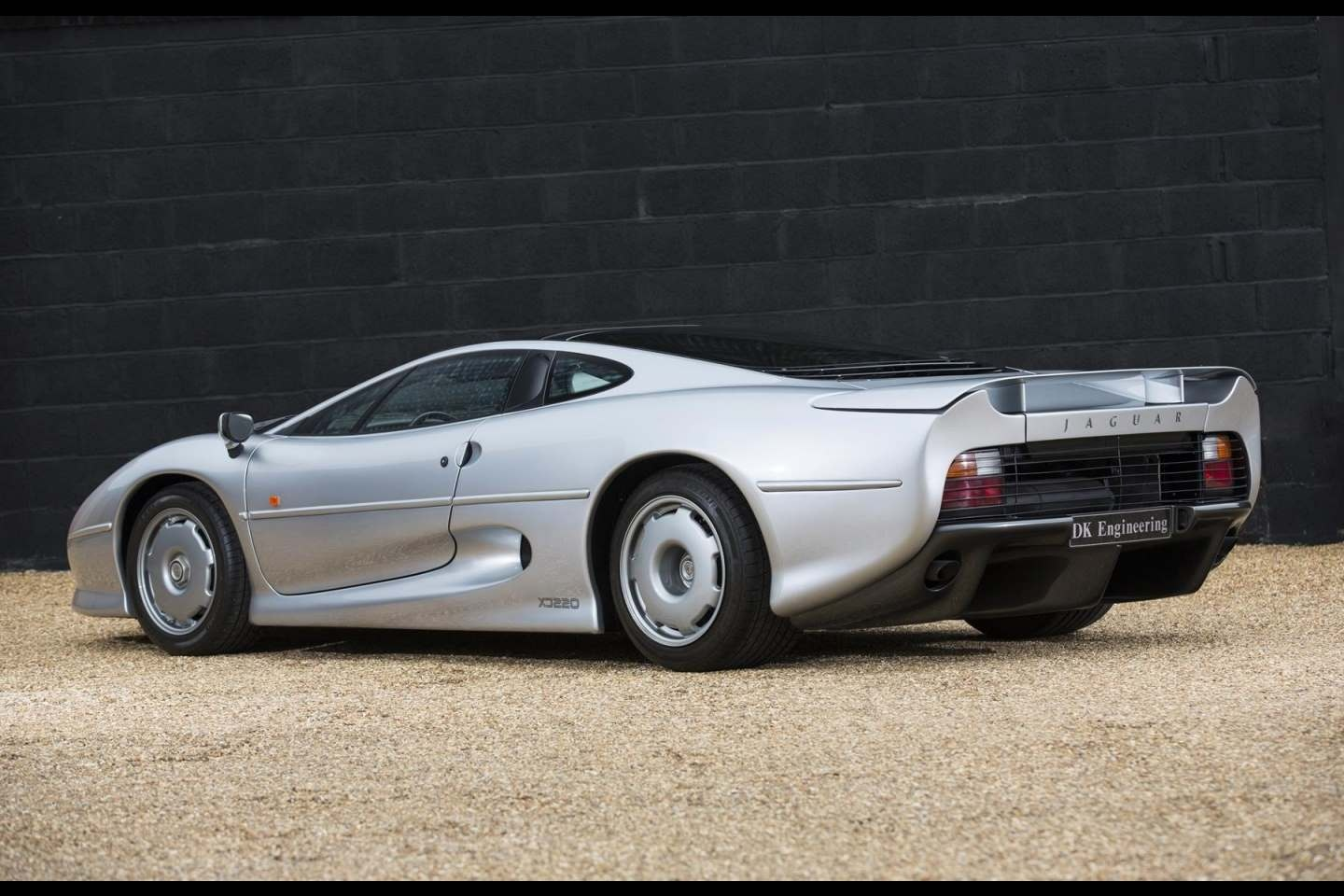 jaguar xj220 for sale vehicle sales dk engineering. Black Bedroom Furniture Sets. Home Design Ideas