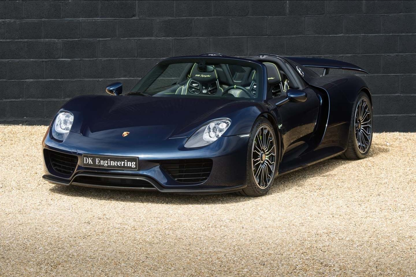 porsche 918 spyder for sale. Black Bedroom Furniture Sets. Home Design Ideas